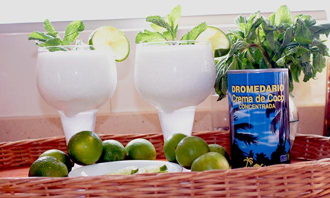 Recetas   Cómo hacer Limonada de coco   Dromedario
